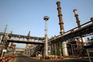 India HPCL postpones refineries start on Covid