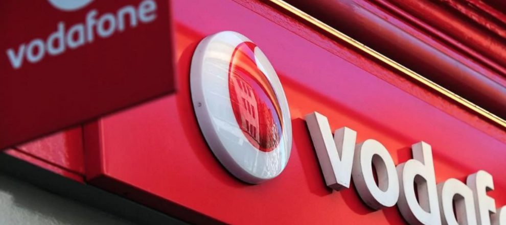 Amazon Targets Jio's Influence on Indian Market with Vodafone Investment