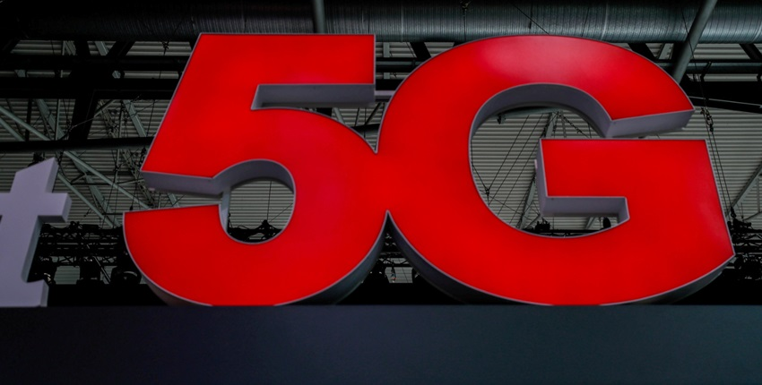 Race for 5G: Will Jio bid for 700 MHz or give it another miss