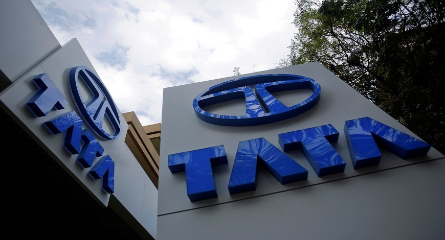 Tata Motors ties up with HDFC, ICICI